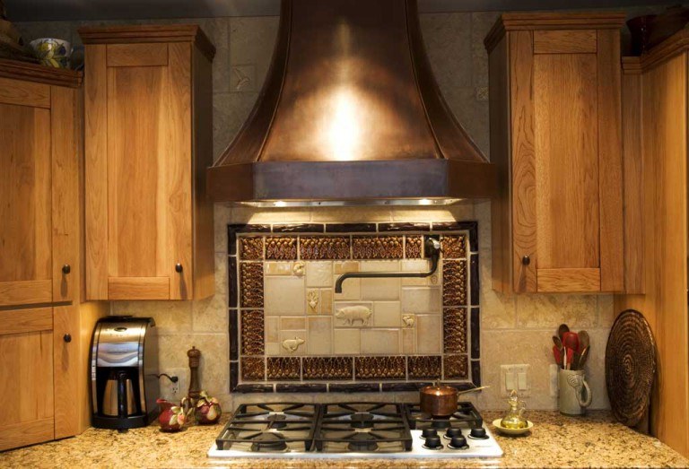 KITCHEN BACKSPLASH & HOOD