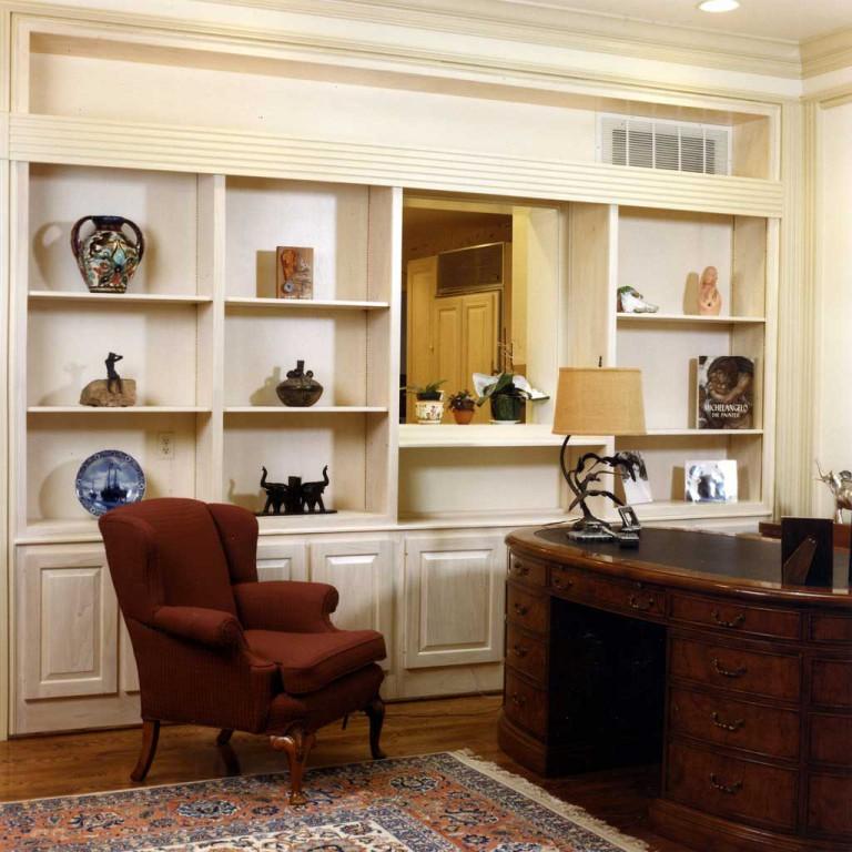 forstmann-great-room-desk-detail